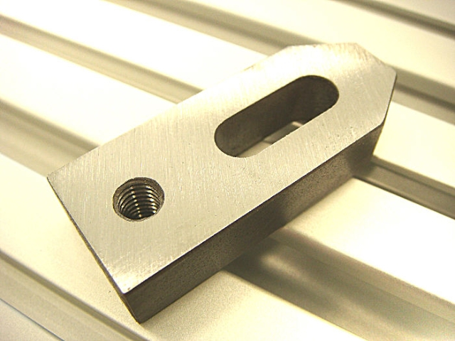Steel Pinch Clamp with 7mm Slot and M6 Thread